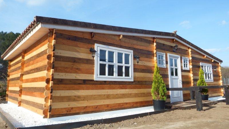 Preciosa Casa unifamiliar tipo Lodge junto al río Alberche y finca privada